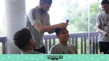 Gignac aplica novatada a juveniles de Tigres con looks divertidos