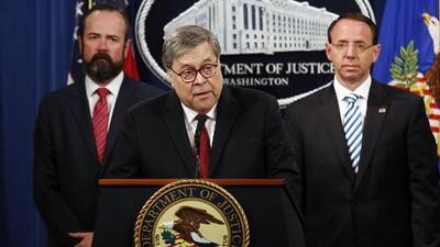 """Barr dice que en """"10 ocasiones"""" Trump pudo haber obstruido la justicia pero sin """"intención corrupta"""""""