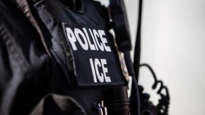 """Redadas masivas: activistas denuncian que ICE ha lanzado """"una guerra"""" contra los indocumentados"""