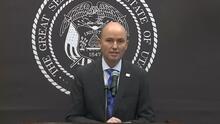 Cox anuncia fin de mandato de máscaras en las escuelas en la última semana de clases