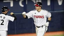 Roberto Ramos brilla en el beisbol de Corea con su 13° HR