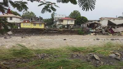 Tormenta Erika deja al menos cuatro muertos en Dominica y enfila a Puerto Rico