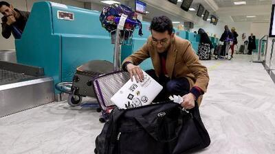 ¿Puede una aerolínea abrir las maletas de los pasajeros sin permiso?