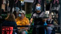 Entre robots e incentivos empresarios buscan recuperar las pérdidas sufridas por la pandemia