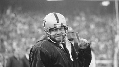 Ken Stabler, glorioso ex quarterback de los Raiders, falleció a los 69 años