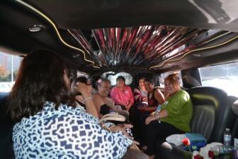 Mamis de Recuerdo festejan con Silvia