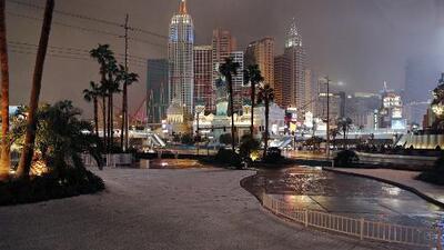 Cae nuevamente nieve en Las Vegas: Tormenta invernal enciende la alerta en 11 estados de EEUU