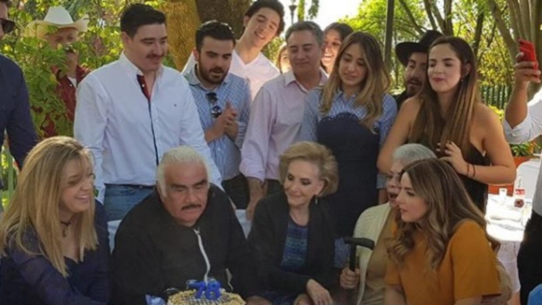 Un Año Más Señores Vicente Fernández Celebró Su Cumpleaños 78