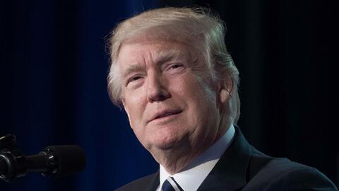 Trump acusa a James Comey de filtrar información clasificada