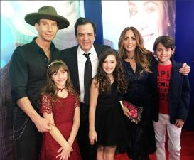 Mía, la hija de Andrea Legarreta y Erik Rubín debuta en el cine
