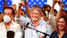En medio de una crisis financiera y el covid-19, el derechista Guillermo Lasso gana la presidencia de Ecuador
