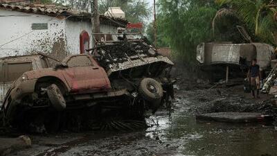 Desaparecidos, calles convertidas en lodo y daños en viviendas: los estragos del desbordamiento de un río en Jalisco