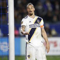 ¡Paren todo! Zlatan recibe primera oferta del Milan