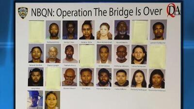 Arrestan a 22 sospechosos de narcotráfico durante un operativo policial en Queens