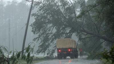 Degradado a tormenta tropical, Florence deja una estela de muerte y destrucción en las Carolinas