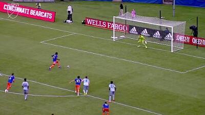 El VAR valida un penal y Darren Mattocks abre el marcador, FC Cincinnati 1-0 Sporting KC