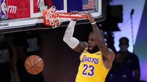 Los Lakers no se guardan nada y se llevan el primero ante Denver
