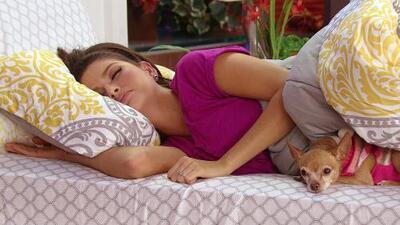 Ana Patricia aprendió cómo debe de dormir ahora que está embarazada