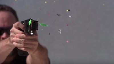 Imágenes del impacto de una pistola taser