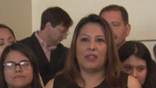 Regresa a casa una inmigrante que se refugió por más de tres años en una iglesia para evitar la deportación