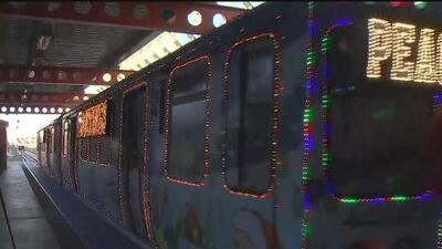 El tren navideño de la CTA comienza su operación en la ciudad de los vientos