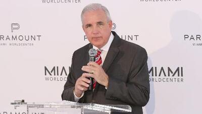 """""""Se necesita un paso un poco más duro para tumbar al dictador"""": Alcalde de Miami-Dade sobre situación en Venezuela"""