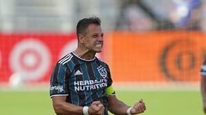 Chicharito ya suma más del doble de goles que en su primera temporada con el Galaxy