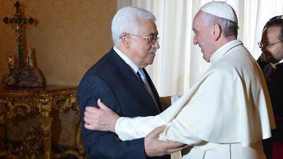 El papa Francisco llama 'ángel de la paz' al presidente palestino