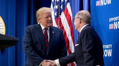 Asesor Larry Kudlow admite que consumidores estadounidenses pagan tarifas que Trump impuso a productos chinos