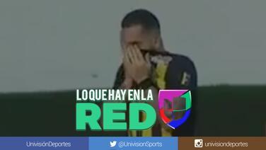 El gol más triste: Futbolista llora al marcar el tanto con el que eliminó al equipo que dirige su padre