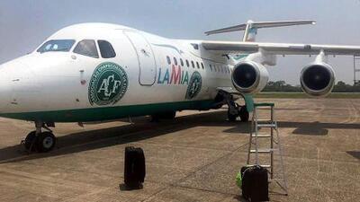 Empresa dice que el piloto del avión accidentado incumplió el plan para reabastecerse de combustible