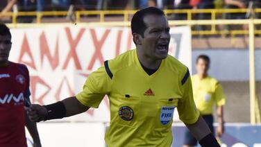 Árbitros paralizan futbol ecuatoriano