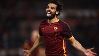 El Roma golea 5-0 al Palermo con Totti en la grada
