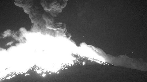 Así se escuchó la explosión del volcán Popocatépetl que mantiene en alerta amarilla la zona
