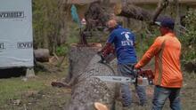 Decenas de hispanos llegan a Louisiana en busca de empleo en labores de reconstrucción tras el paso del huracán Laura