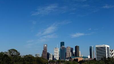 A Houston le espera una mañana de jueves con cielos mayormente soleados y sin probabilidad de lluvia