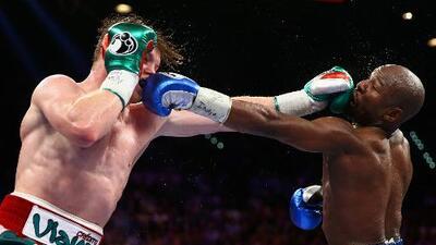 ¿Mayweather vs Canelo II? Óscar de la Hoya calcula que podría generar 1,500 mdd