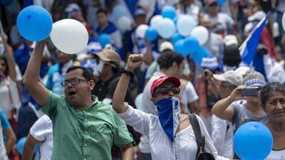 """Globos y banderas azules y blancas: las insólitas pruebas contra los detenidos por """"terrorismo"""" en Nicaragua"""