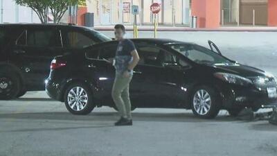 Autoridades arrestan a tres sospechosos tras la persecución a un vehículo reportado como robado
