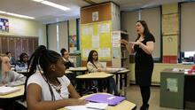 Los estudiantes de secundaria dicen que no quieren ser maestros. Así trabaja esta escuela para cambiar la situación