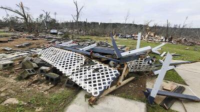 ¿Qué factores contribuyeron a la formación de los devastadores tornados en Alabama?