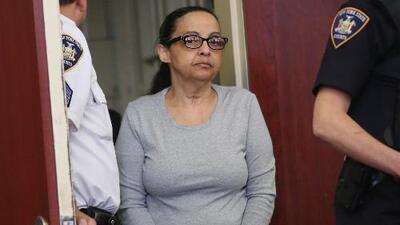 """""""Mi vida está en las manos de Dios"""": niñera condenada a cadena perpetua por matar a niños que cuidaba"""