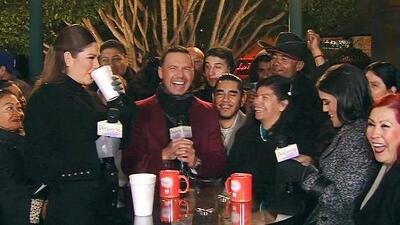 Luis Sandoval terminó lleno de piropos por parte de la gente de su club de fans