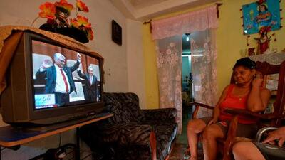 """""""Díaz-Canel será un títere mientras Raúl siga"""": los cubanos miran la sucesión presidencial con escepticismo"""