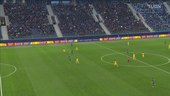 ¡Cortan el grito de gol! El árbitro le niega el 2-0 al Zenit y Azmoun