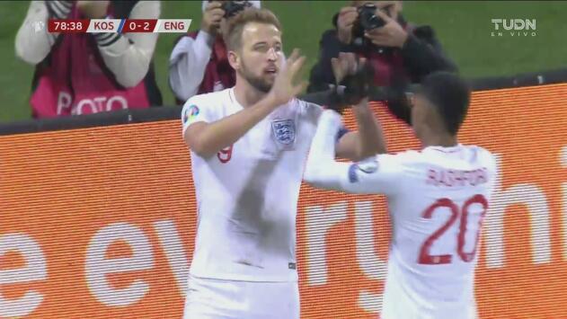 ¡Hasta con los ojos cerrados! Harry Kane no perdona el 2-0 para Inglaterra