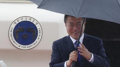 En un minuto: Trump recibe al presidente de Corea del Sur a la expectativa de cumbre con Kim