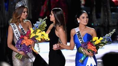 Presentador de Miss Universo corona a Colombia por error y luego se retracta