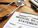 Algo que pocos saben tras una hospitalización imprevista: tu deuda médica puede ser perdonada