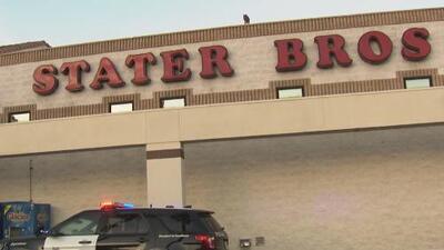 Investigan la muerte de un hombre que fue abatido a tiros dentro de un supermercado en San Bernardino